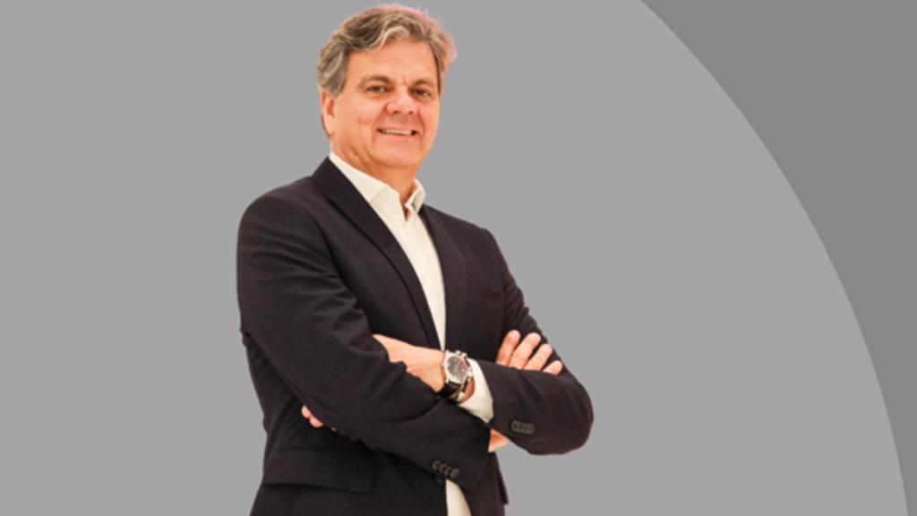 Conheça o consultor Valquírio Cabral, especialista em varejo.